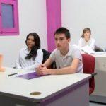 Fakings – Dos nuevos alumnos de 18 y 20 añitos se apuntan a nuestra escuela: clases de recuperación de inglés. – La Escuela de FAKings