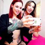 Fakings – Soy Silvia y estos son mis viajes por el mundo: Follando con Eva en Londres. Mi amiga transexual ;) – Es tu vecina