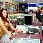 Terror en la Tienda de Vídeos | Tifanny