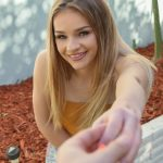 Mofos – Asking Cutie For Directions – Scarlett Fall
